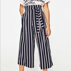 ZARA Trafaluc. Navy striped culottes